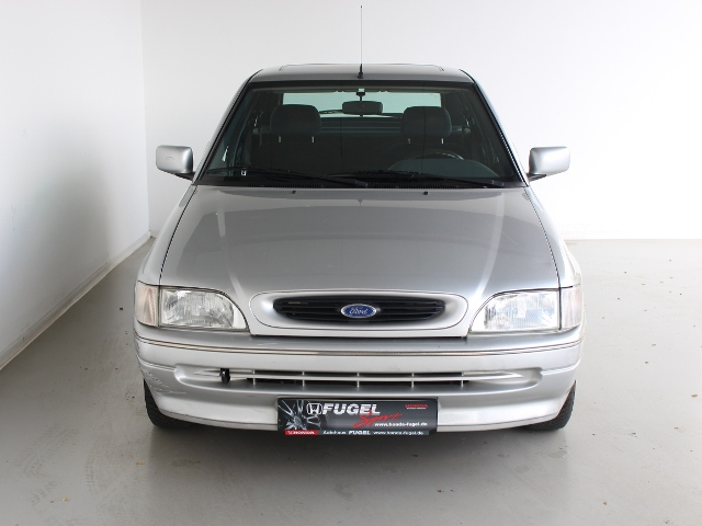 Ford Escort 1.6i CLX Radio