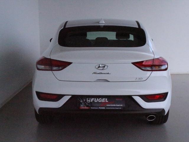 Hyundai i30 Fastback 1.4 T-GDI LED|SHZ|Navi