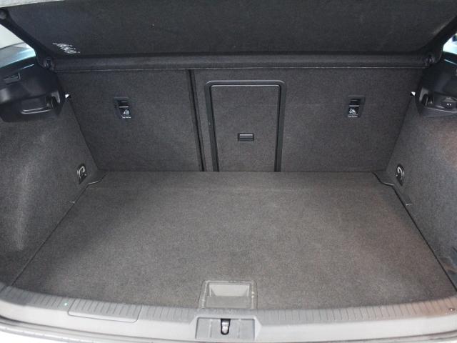 VW Golf VII 2,0 TDI Highline AHK+LED+NAVI